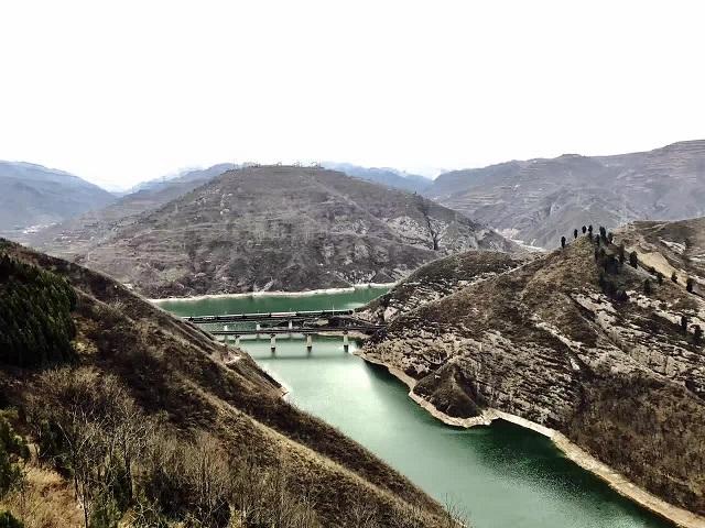 硖石镇六川河.jpg